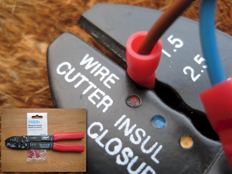 Crimping a spade connector