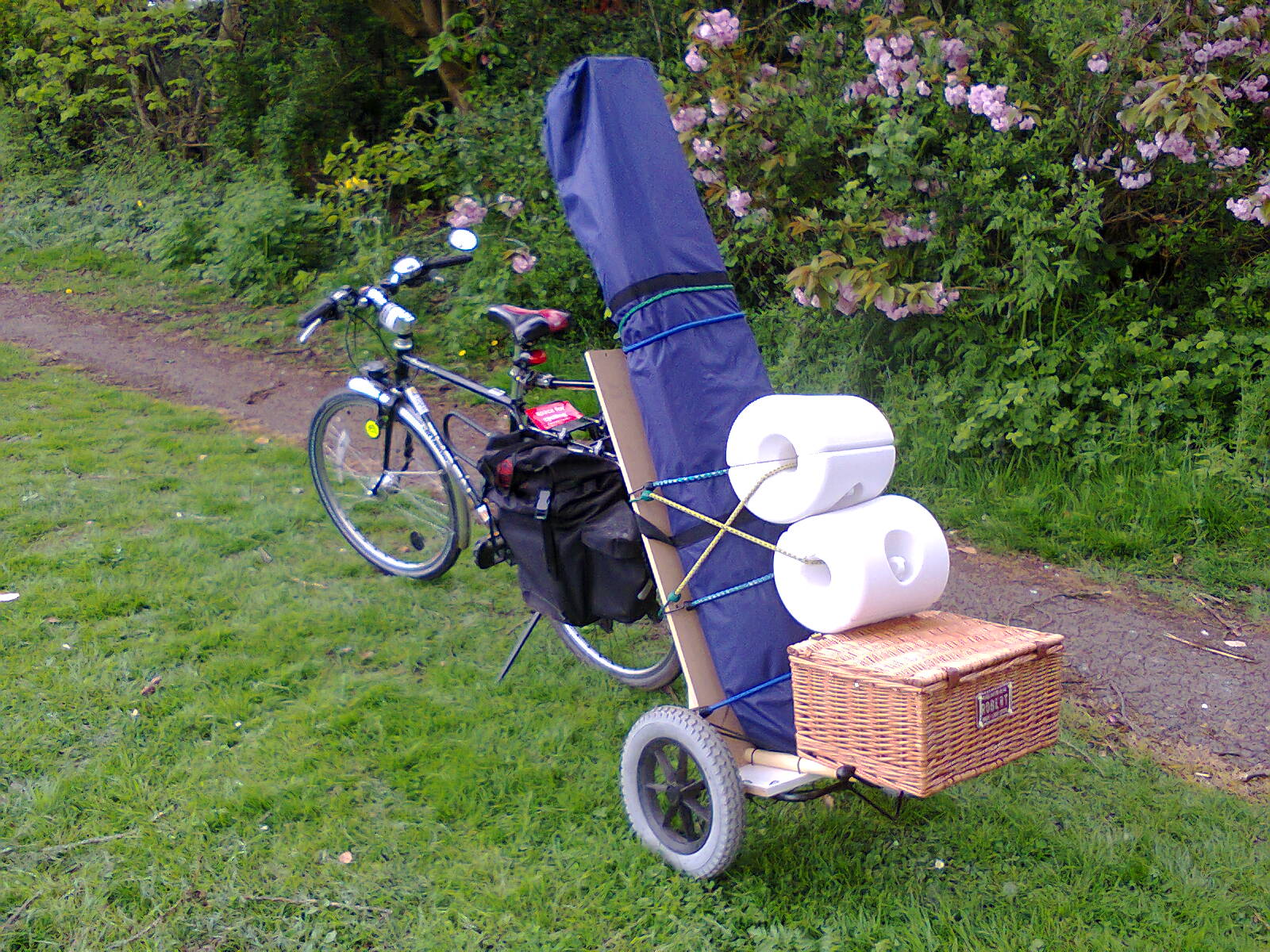 bike with loaded cycle trailer