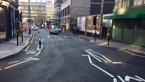 The entry to the contra flow cycle lane on Hill Street