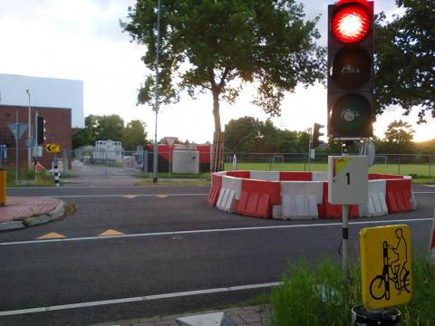Temporary cycle crossing on a signposted diversion for cyclists