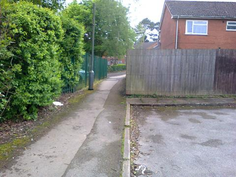 Path Between Jervoise Drive and St Joseph's Avenue