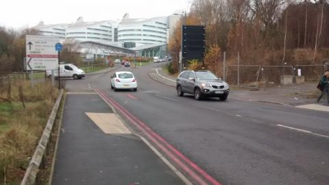 Badly designed cycle crossing on Hospital Way