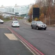 Poorly designed cycle crossing at the QE